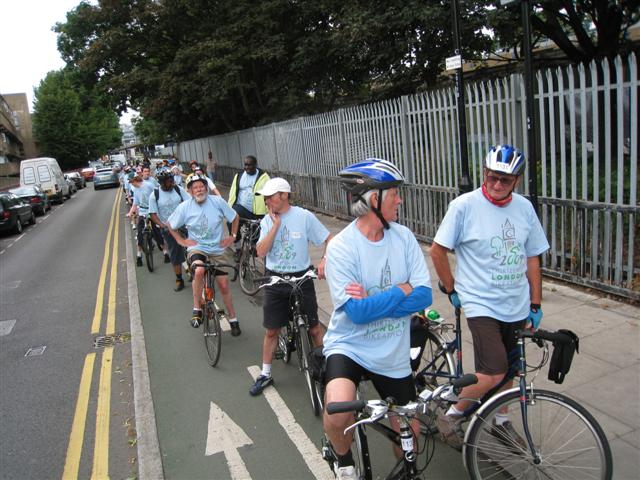 The Blue brigade (26 milers) at traffic lights