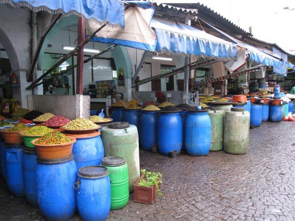 casablanca: market olives