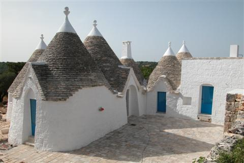trulli courtyard after