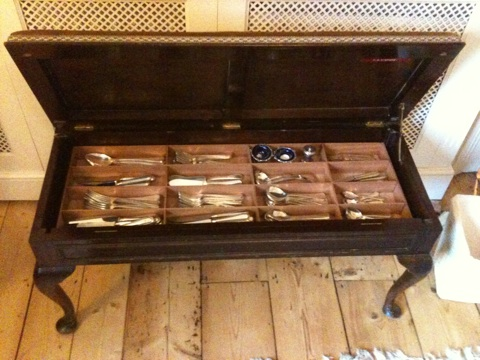 cutlery tray - complete with contents