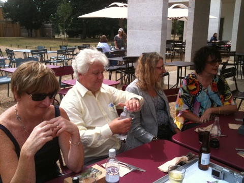 Maureen and friends at Chiswick House 02