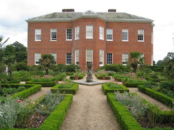 NT Hatchlands Park: Gertrude Jekyll garden