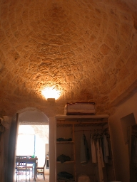 bedroom in trulli looking up