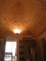 bedroom in trulli looking up